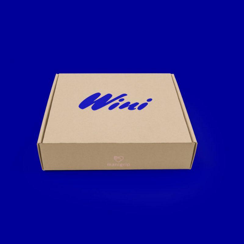 Emballage til Wini på blåbaggrund